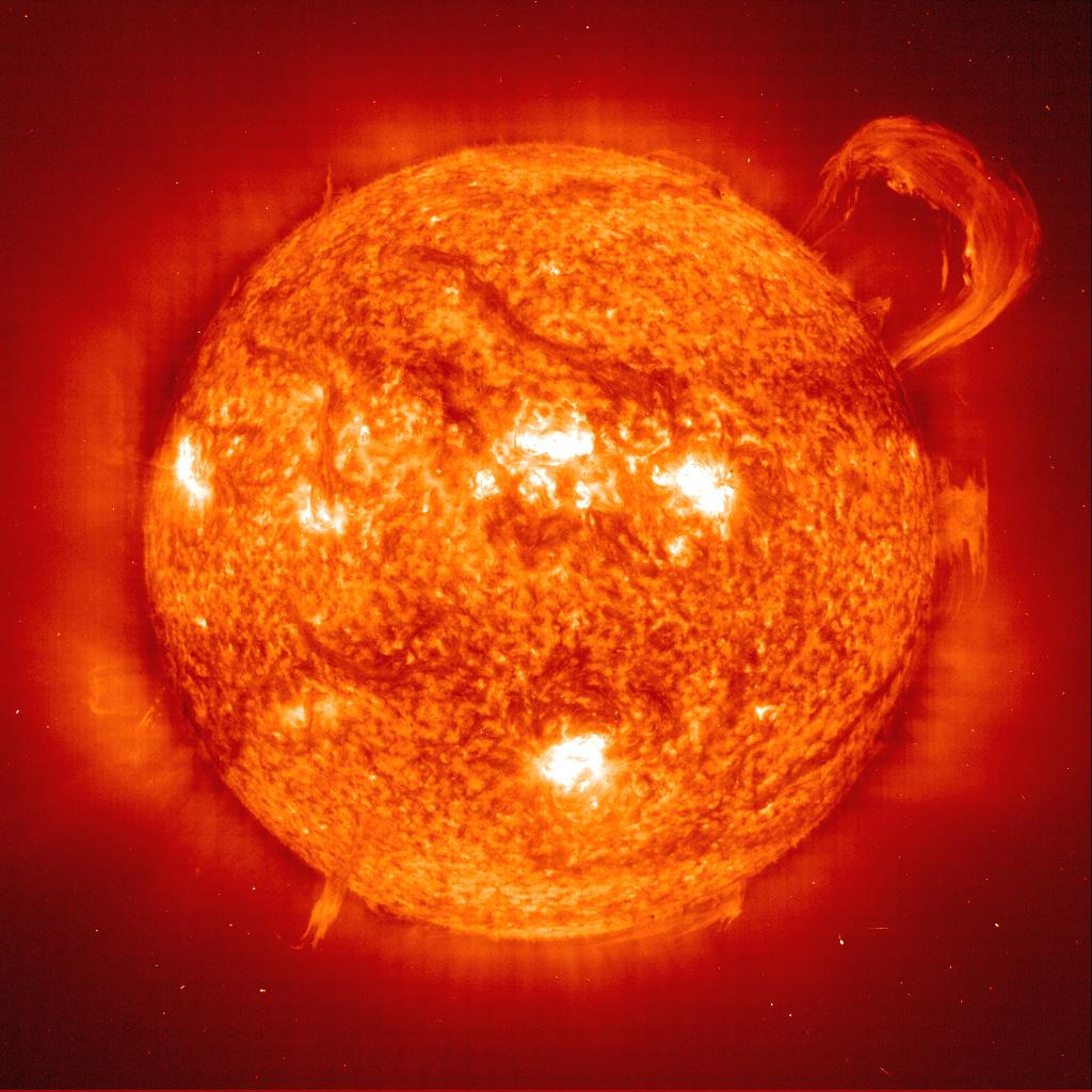 efek badai matahari