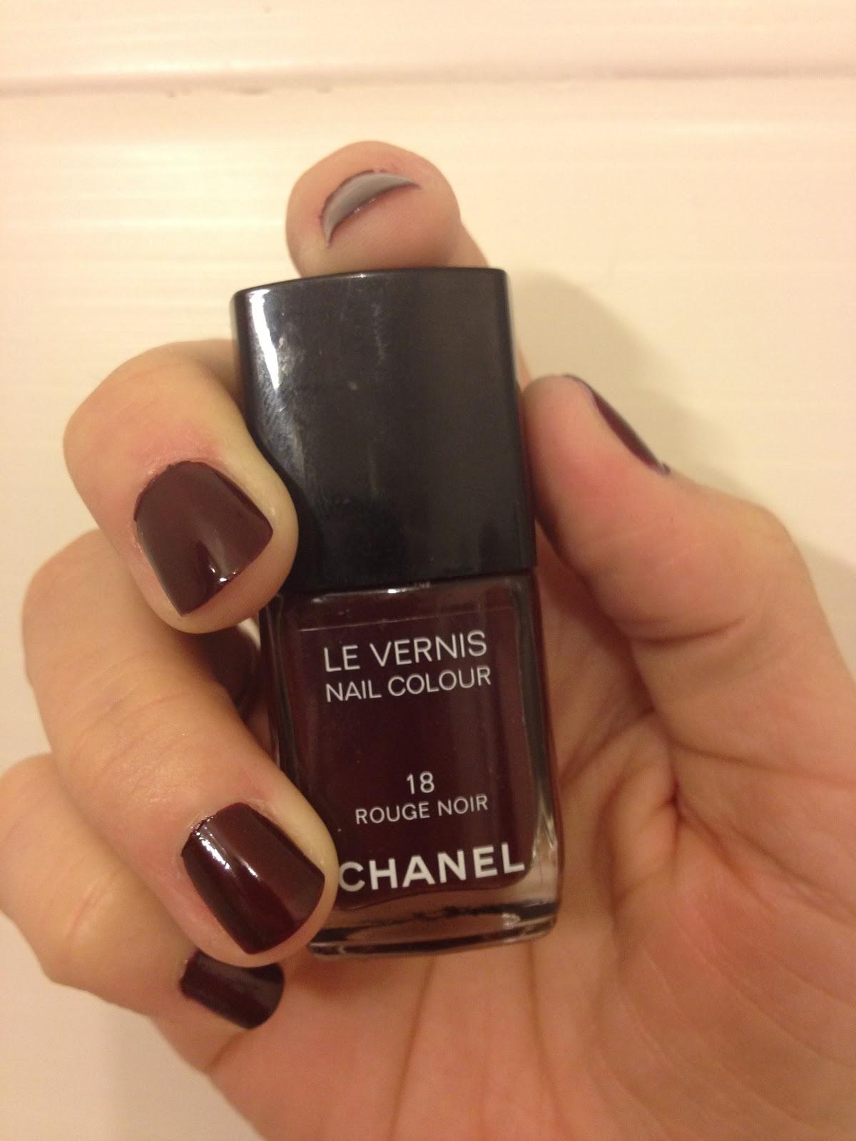 Populaire Mon Miroir se re Belle !: J'aime Le Vernis Rouge Noir de Chanel HM29