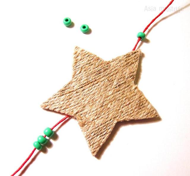 http://asia-majstruje.blogspot.com/2012/11/srodowe-myki-sznurkowe-zawieszki.html