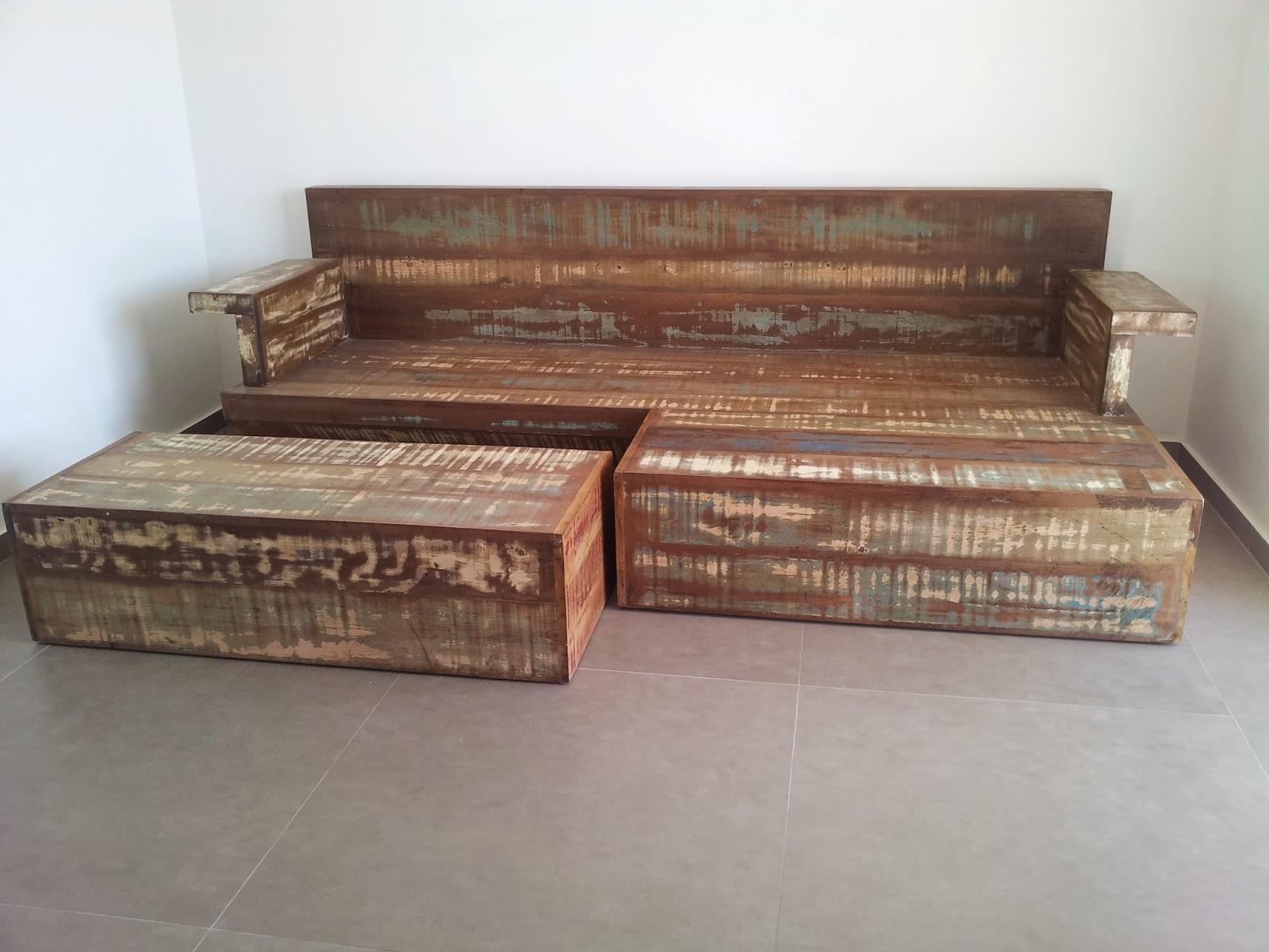 Marcio Pisoni: Sofá Cama de Madeira de Demolição #8D553E 1600x1200