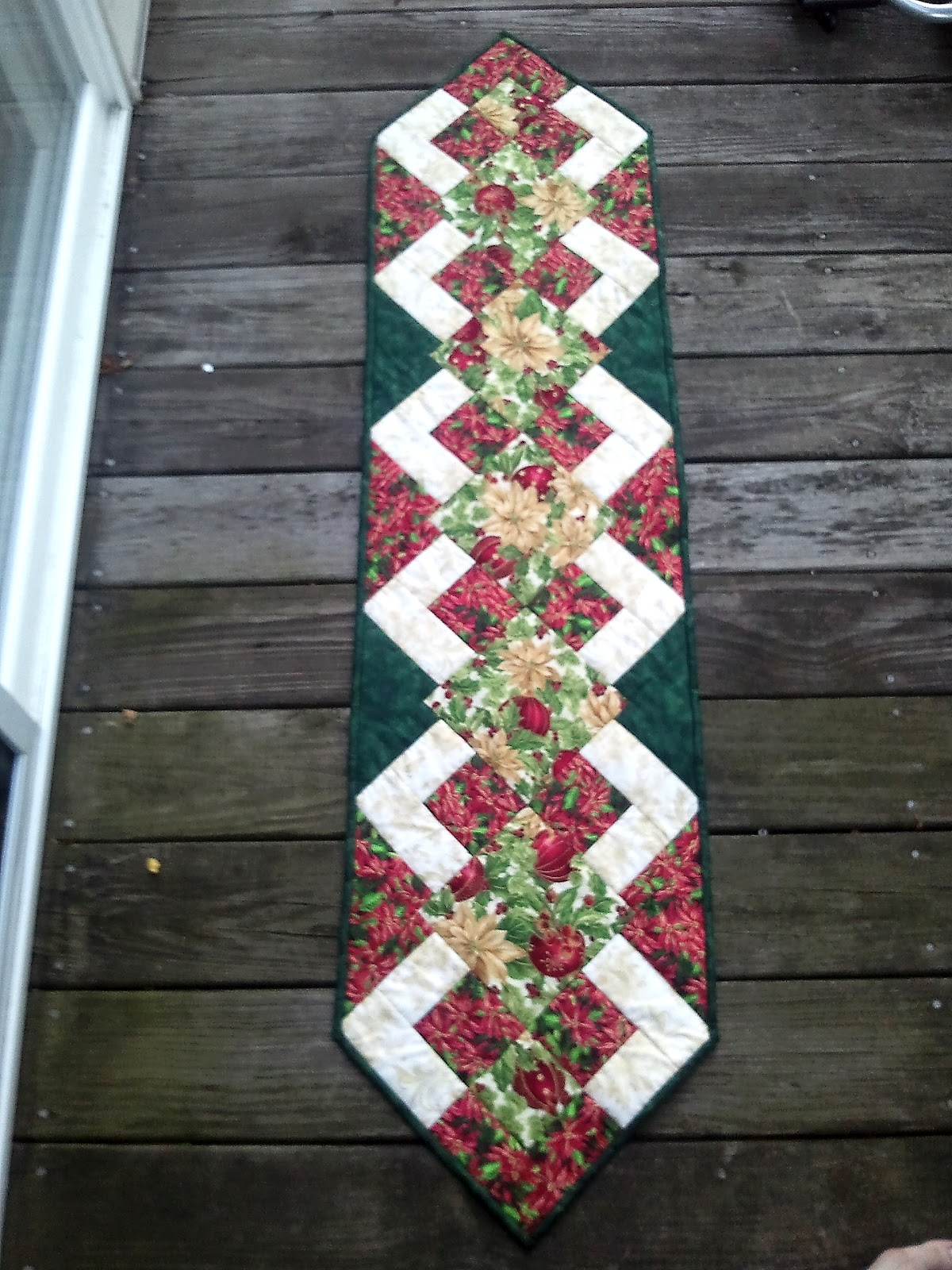 christmas table runner and tutorial