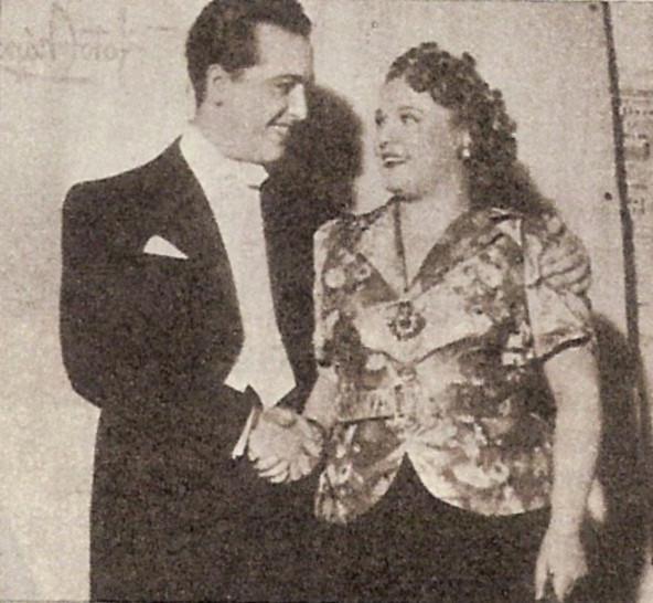 Hugo del Carril y Azucena Maizani se saludan