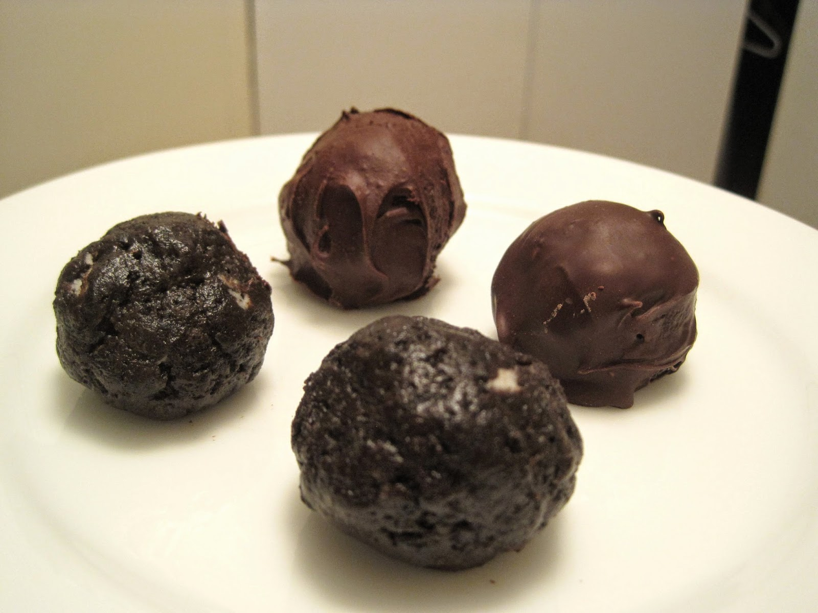 Vegan Oreo Cookie Balls