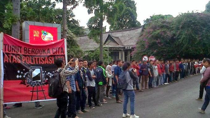 Mahasiswa ITB menolak Jokowi