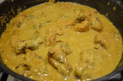 Preparazione del Pollo al Curry