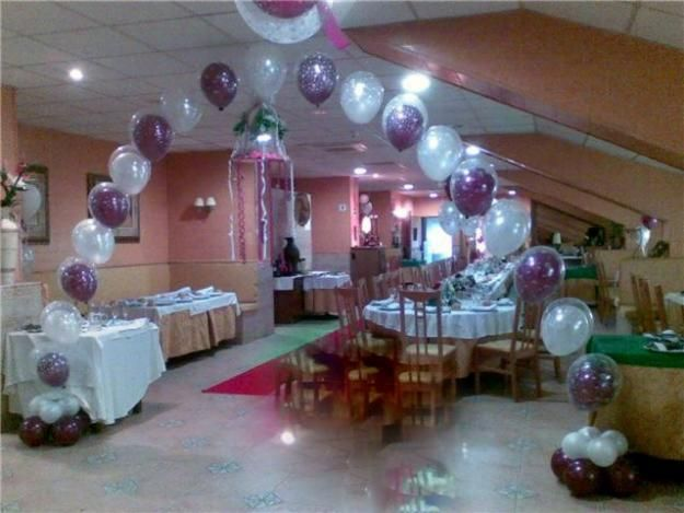 decorando restaurante con globos