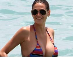 Melissa Satta hot: Il suo Enorme Seno continua a Lievitare. Video hard