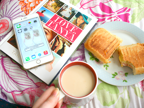 Breakfast And A Chat ♡