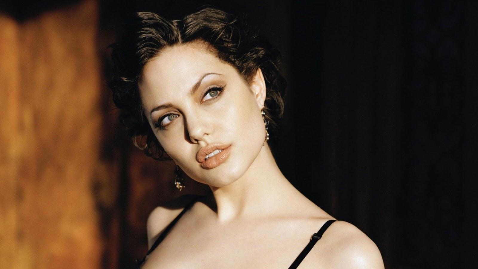 Angelina Jolie Hot Lips