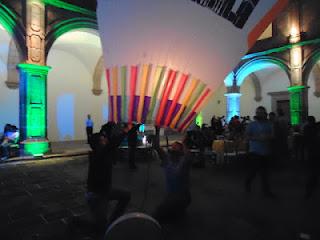 Demostración de los Globeros de Paracho en la Feria de Turismo Cultural en Morelia