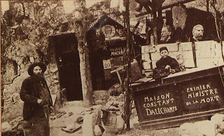 This strangely decorated cafe in Montmartre provided a refuge for poor artists, offering food and shelter.