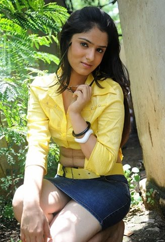 Shefali Sharma hot pictures