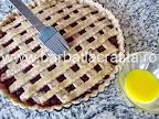 Tarta cu gem Linzer torte preparare reteta ungerea cu ou batut optionala