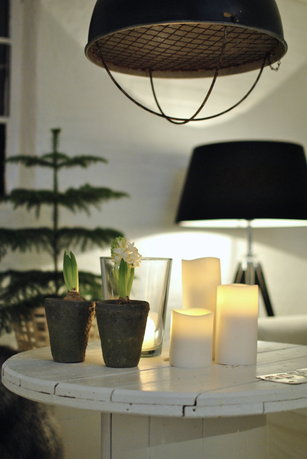 hannashantverk.blogspot.se jul vardagsrum kabeltrumma enjoy candles hyacinter