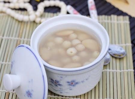 Cách nấu chè hạt sen đậu ngự thanh mát