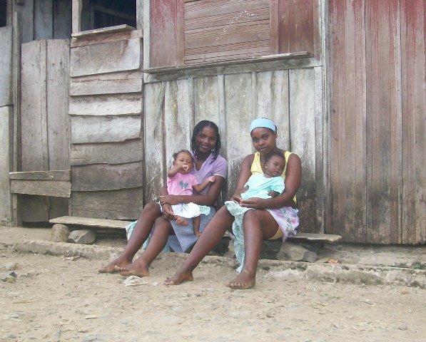 São Tomé e Príncipe: Governo apoia várias famílias a montarem negócio próprio