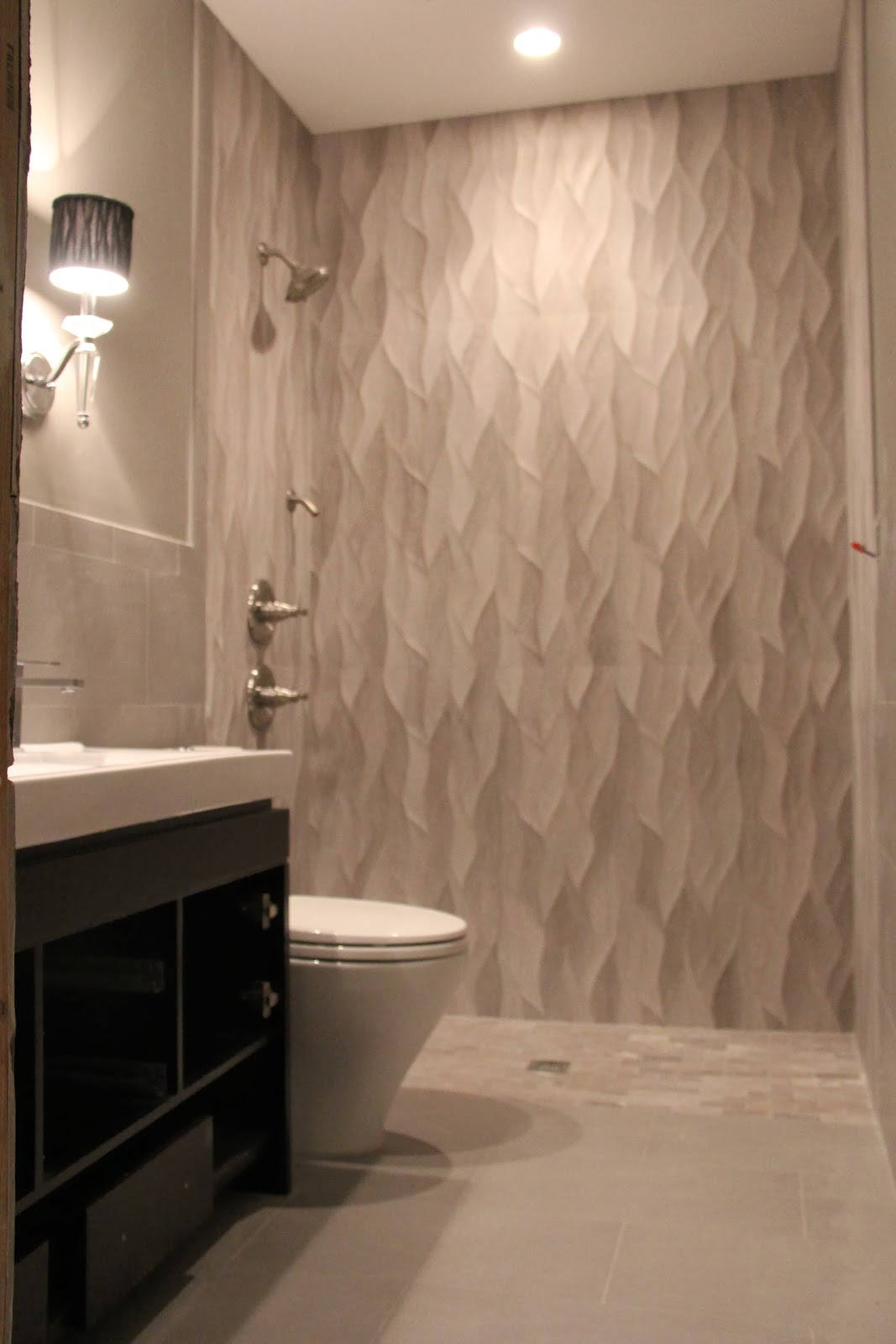 Awesome Tiles Inside The Shower Wall Has A Beautiful Smooth Wavy Texture To It,  Looks Like Water Dripping Down.