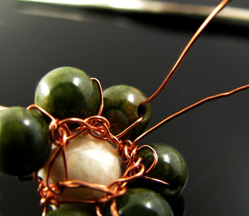 Cat\'s Draht: Perlen- und Drahthäkelblümchen - ein kleines Tutorial