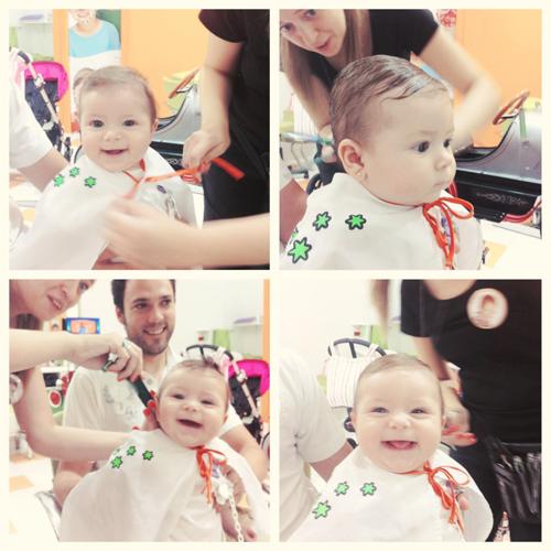 Primer corte de pelo del bebé Primeiro corte de cabelo do bebê