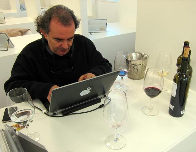 LUIS GUTIERREZ DE WINE ADVOCATE CATANDO VINOS