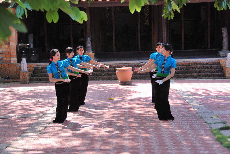 Tham quan khu du lịch Làng nghề Một thoáng Việt Nam ở Củ Chi