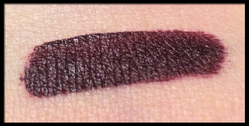 Makeup Revolution - Salvation Velvet Lacquer in Velvet Vamp