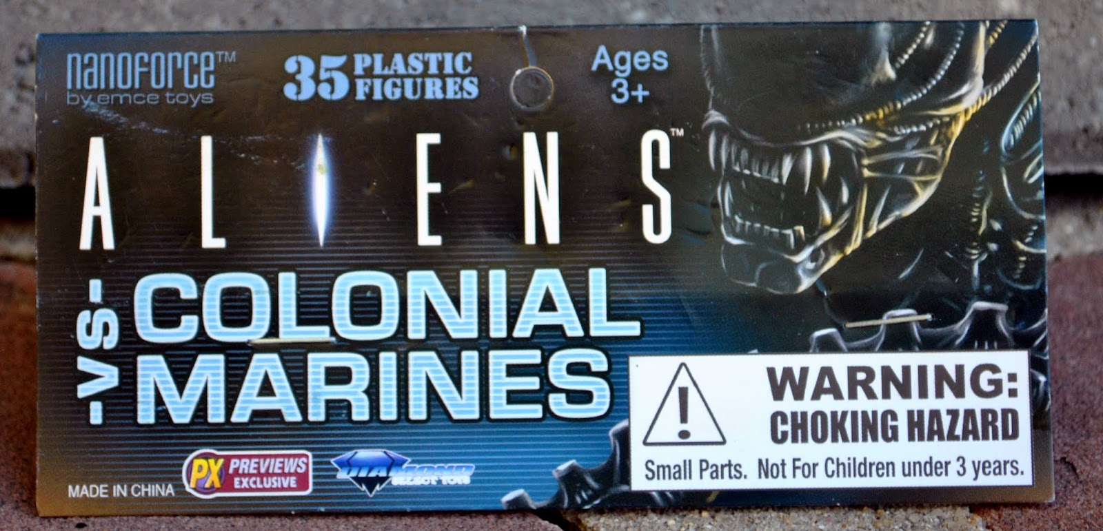 10 per bag 4 bags of ALIENS vs COLONIAL MARINES  PLASTIC MINI-FIGURES