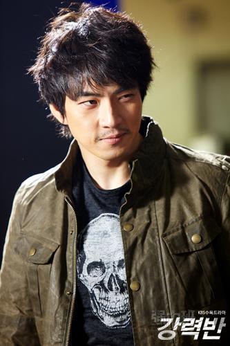 Song Il Gook (송일국) Crime+Squad_139
