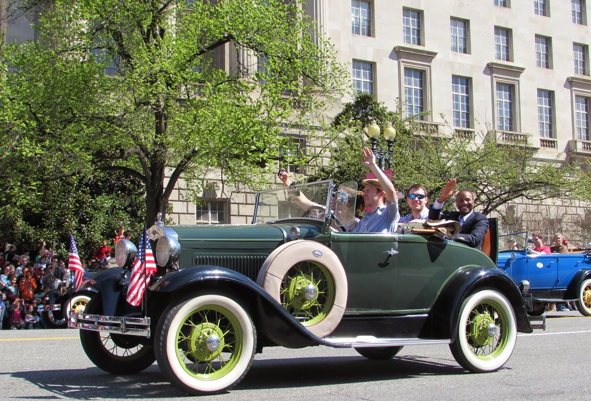 Cherry Blossom parade vintage car