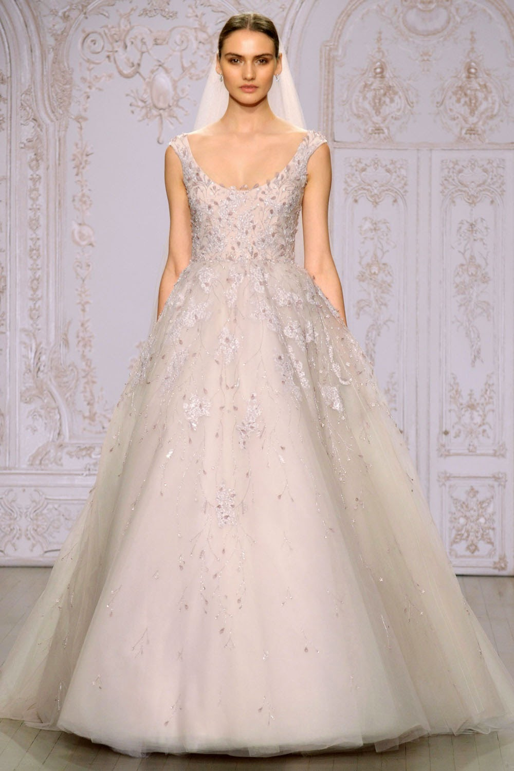 Monique lhuillier fall 2015 wedding dresses runway for Monique lhuillier wedding dress
