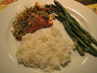 Broiled salmon meal with asparagus and white rice