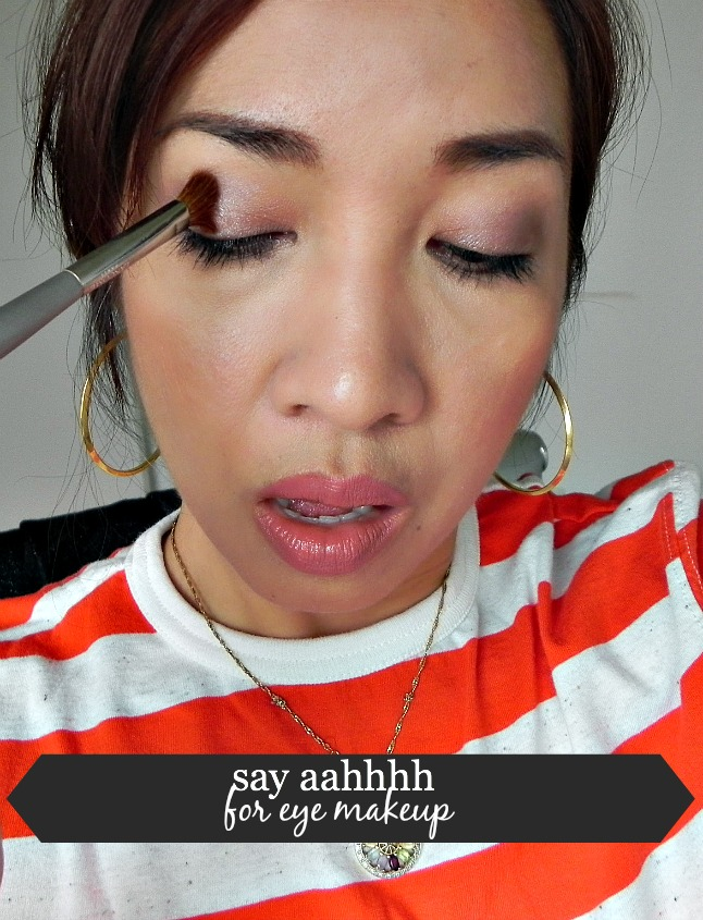 how to apply mascara, why do women open their mouth when they apply makeup or mascara
