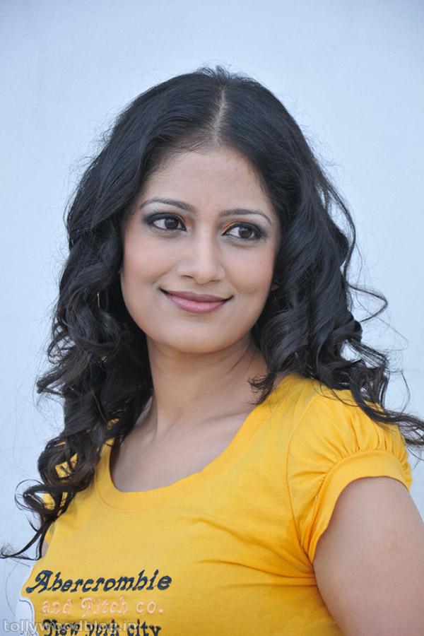 priyamani in saree from kshetram be healthy