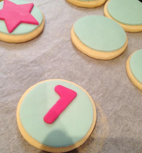 La Cocina de Carolina Cómo decorar galletas con fondant (galletas decoradas)