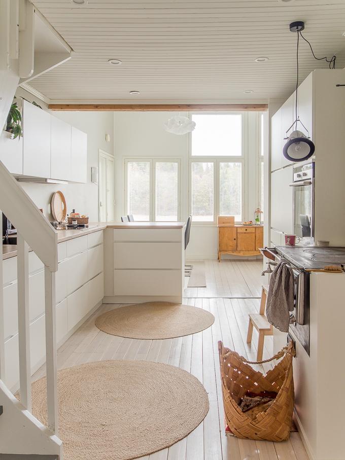 kvik mano keittiö, vetimetön valkoinen keittiö, mattavalkoinen