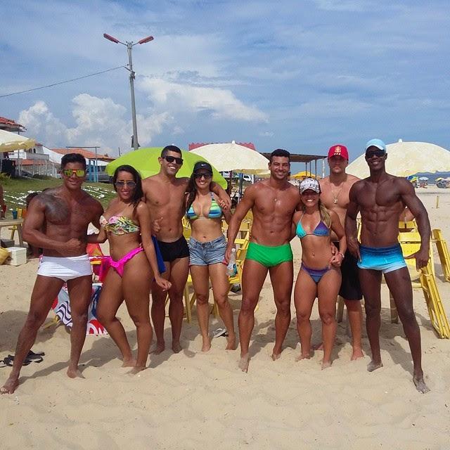 Atleta Breno Neves jogou frescobol com os amigos no feriado do carnaval. Foto: Arquivo pessoal