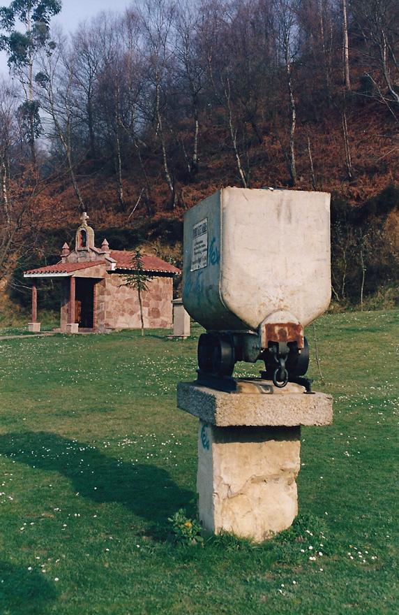 Capilla de Nuestra Señora  de Covadonga en la Campa de L´Abeduriu