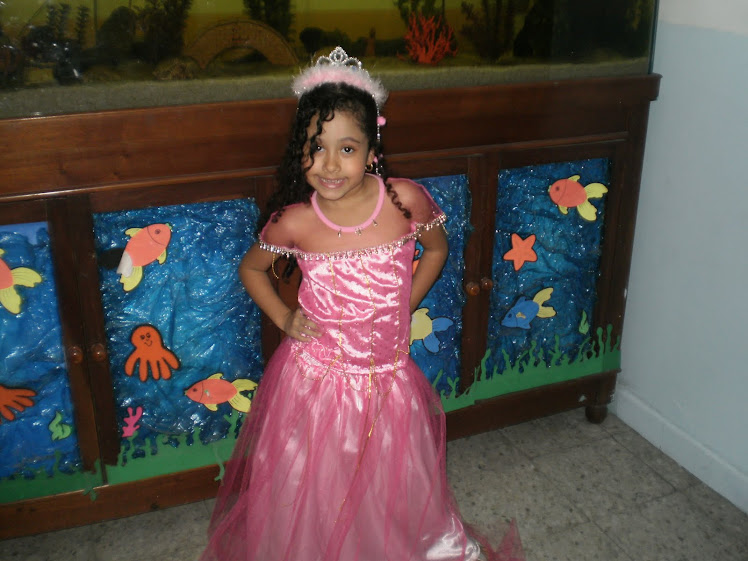 Camila niña estrella de la semana del 16 al 20 de mayo