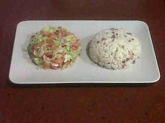Ensalada con arroz y beicon