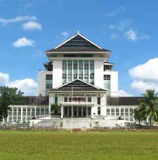 Gubernur Maluku, Said Assagaff menegaskan rencana pembangunan Kantor Gubernur Maluku di Desa Hunut, Kecamatan Baguala tidak perlu mendapatkan persetujuan dari Dewan Perwakilan Rakyat Daerah (DPRD) Maluku.