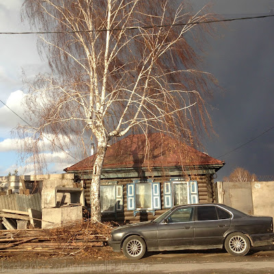 "picture of Storm Coming - Isbushka in Novosibirsk - ""Past"" (poem) brokenbreadandsmallfish.com"