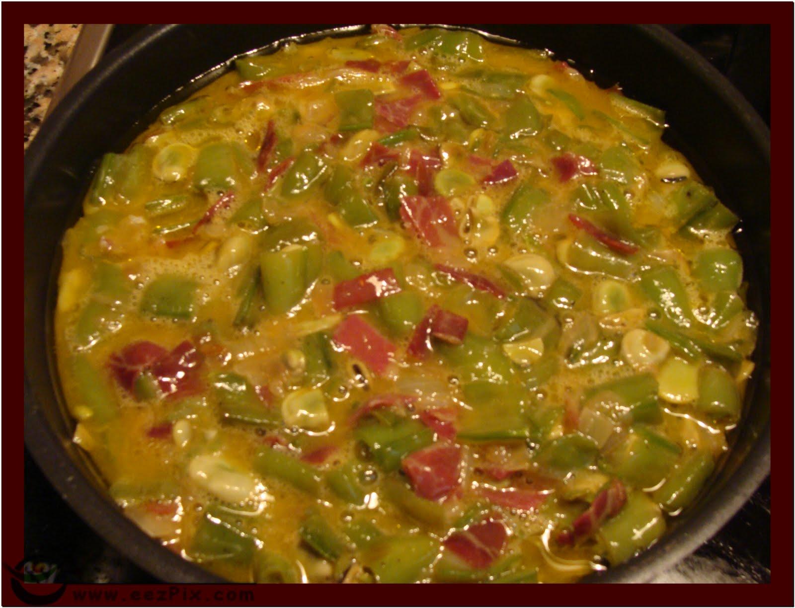La cocina de ani tortilla de habas frescas cebolletas y - Habas frescas con jamon ...
