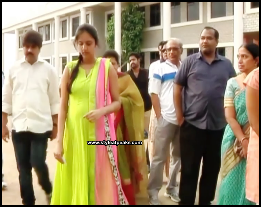 Ntr Wife Lakshmi Pranathi Pregnant Pics jr Ntr Wife Pranathi Pregnant