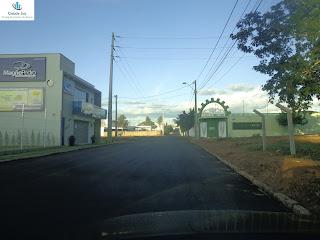 Rua do Icasa recém-asfaltada.