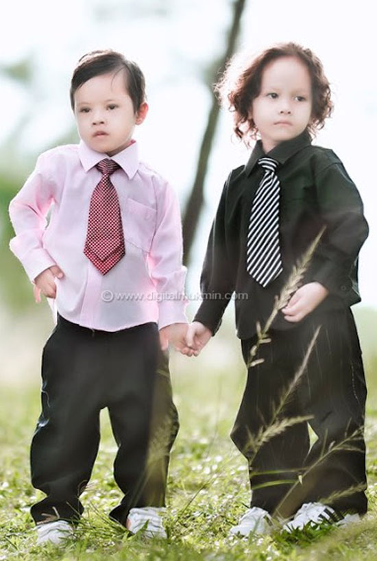 Gambar Anak Ustaz Azhar Idrus Serius Comel