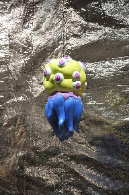 Takahiro Komuro esculturas macabras bizarras coloridas fofas monstros Observador