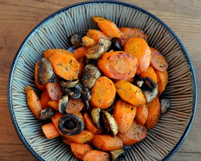 Roasted Carrots & Mushrooms with Thyme