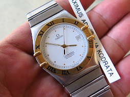 OMEGA CONSTELLATION CHRONOMETER WHITE DIAL GOLD BEZEL - AUTOMATIC
