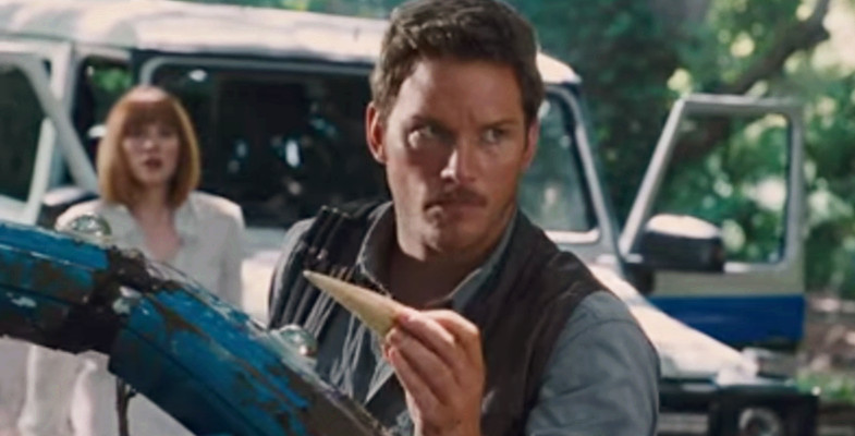 Jurassic World (2015) Movie Film Sinopsis - Chris Pratt, Judy Greer, Ty Simpkins