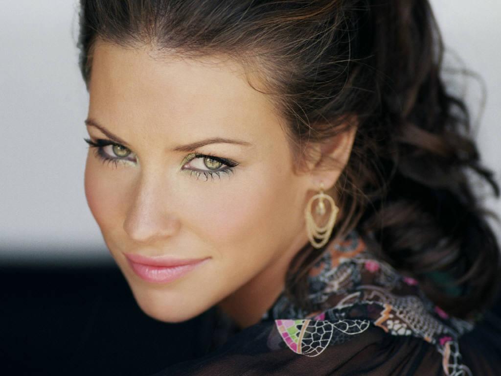 http://3.bp.blogspot.com/-LfGh-QmOdAM/TafeWRquRgI/AAAAAAAADWI/hFSVtvnMai4/s1600/Hot+Evangeline+Lilly+Pictures+%252810%2529.JPG